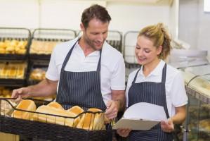 Rynek pracy: Firmy nie walczą o odchodzących pracowników