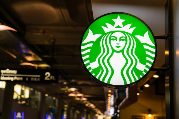 Starbucks: Ostry spadek zysków w Wielkiej Brytanii