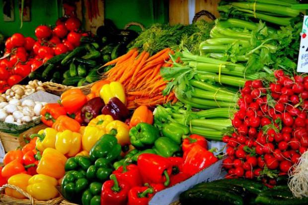 ARR: Dzieci jedzą więcej owoców i warzyw
