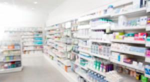 """Legislatorzy o """"Aptece dla aptekarza"""": Preferuje jedną grupę podmiotów"""