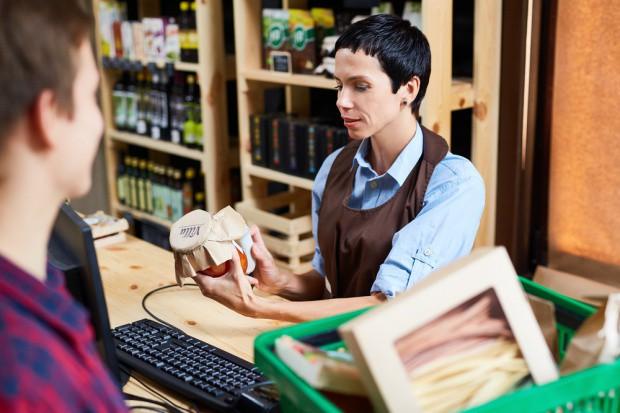 Sklepy małoformatowe w marcu: Wzrost sprzedaży lodów i napojów bezalkoholowych