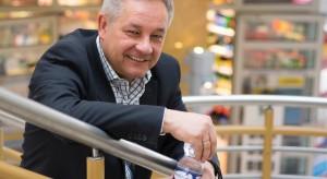 Rynek wód butelkowanych się zmienia, a spożycie systematycznie rośnie (wideo)