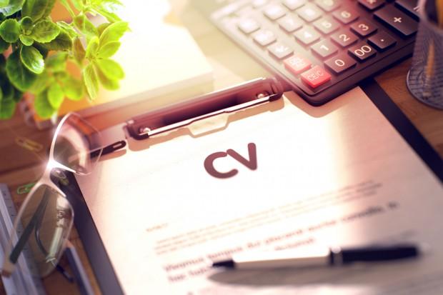 Praca: Zrób wiosenne porządki w CV