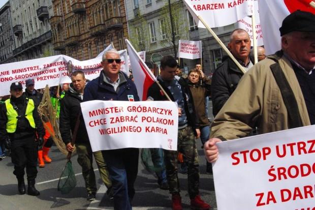 Rybacy śródlądowi protestowali w Warszawie
