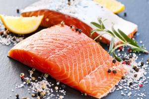 """""""Czarny PR"""" łososia nie wpływa na spożycie tej ryby w Polsce?"""