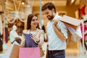 Millenialsi na zakupach - co wpływa na ich decyzje?
