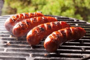 Kiełbasa na grilla nie może być ani za chuda ani zbyt tłusta