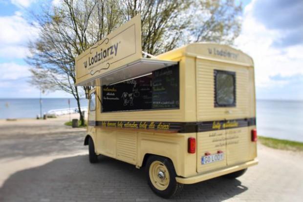 Zmieniają się sposoby serwowania lodów; rynek zdobywają riksze i ice-trucki