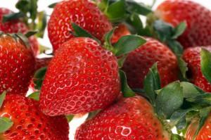 Ceny truskawek 2017: w hurcie owoce są coraz tańsze, ceny wahają się między 4-15 zł/kg