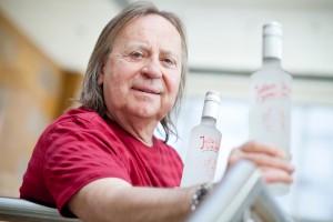 """Zdjęcie numer 1 - galeria: Romuald Lipko, muzyk i producent wódek: Zobaczymy co zwojuje """"Jolka"""" (duży wywiad, galeria zdjęć)"""