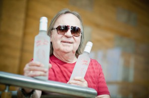 """Zdjęcie numer 14 - galeria: Romuald Lipko, muzyk i producent wódek: Zobaczymy co zwojuje """"Jolka"""" (duży wywiad, galeria zdjęć)"""