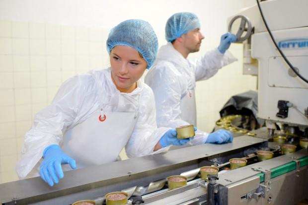 Badanie: Optymizm wraca do polskich firm, ale o pracowników nadal niełatwo