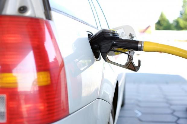 Ceny paliw spadają siódmy tydzień z rzędu