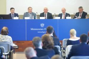 Branża spirytusowa i przedstawiciele władz  dyskutowali o rozwoju branży i jej wpływie na gospodarkę (relacja)