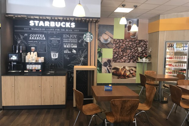 Starbucks startuje z nowym konceptem Starbucks on the go