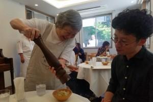 Japońska restauracja zatrudnia wyłącznie chorych na demencję