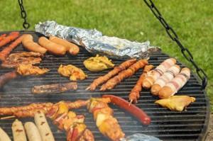 Biedronka i Lidl walczą o konsumentów w sezonie grillowym