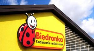 Biedronka oferuje 1000 zł swoim pracownikom za udaną rekrutację nowego sprzedawcy