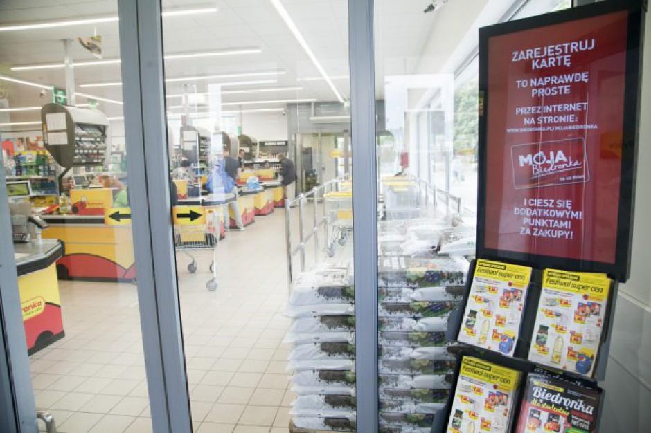 Polacy najchętniej robią zakupy w Biedronce. Sieć mocno wyprzedza Lidl i Tesco