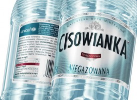 Eksperci ds. marketingu: Nawoływanie do bojkotu Cisowianki nie udało się i się nie uda