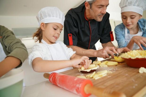 Marki spożywcze w szkołach. Jak reforma szkolnictwa wpłynie na programy edukacyjne o żywieniu?