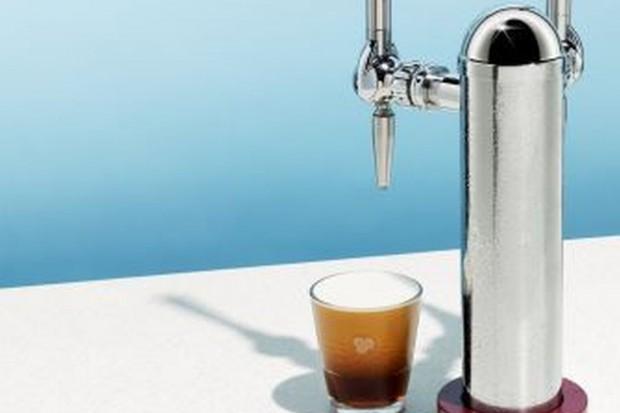Costa Coffee też stawia na cold brew z nalewaka