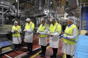 Zdjęcie numer 1 - galeria: PepsiCo uruchomiła dwie nowe linie do produkcji słonych przekąsek w fabrykach Frito Lay w Polsce (foto)