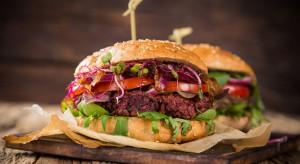 Łączenie mięsa z białkiem roślinnym - nowy trend na rynku