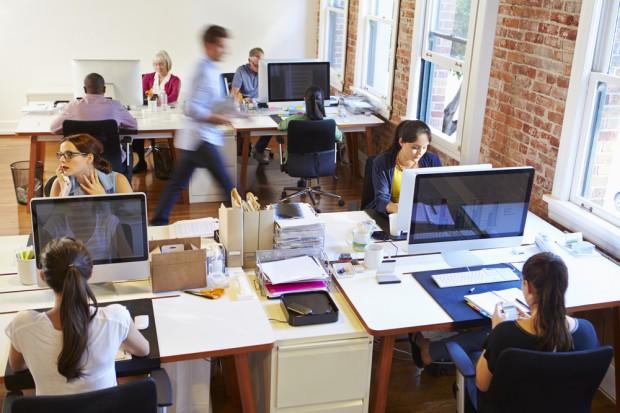 Ekspert: Podejmując nową pracę, warto zwrócić uwagę na 10 rzeczy