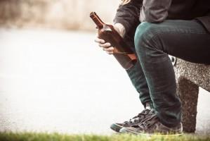 Biskup: Polacy nie umieją pić alkoholu, używamy go narkotycznie