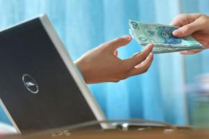 Sprzedawcy w UE wciąż nieufni wobec zakupów przez internet