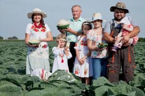 Zdjęcie numer 2 - galeria: Gospodarstwo Rolne M. Sznajder: Kiszonki znów są postrzegane jako bardzo zdrowa żywność, superfoods (wideo)