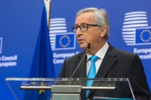 Juncker nie wyklucza wprowadzenia nowego prawa UE o jakości żywności