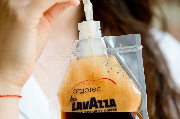 Prawdziwe włoskie espresso powitało astronautów ... w kosmosie