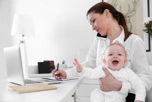 Kobiety coraz chętniej wracają do pracy