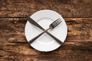 Roznegliżowani wczasowicze zniknęli z sopockich restauracji