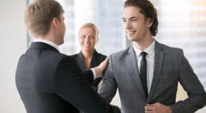 Praca menadżera: Czy warto dywersyfikować swoje doświadczenie?
