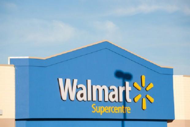 Walmart sprzedaje broń na rozpoczęcie roku szkolnego?