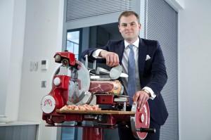 Firma RobRut zbuduje pierwszą w Polsce dojrzewalnię włoskich szynek