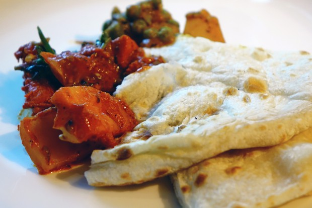 Chleb na świecie: hinduski naan, francuska bagietka, polski chleb