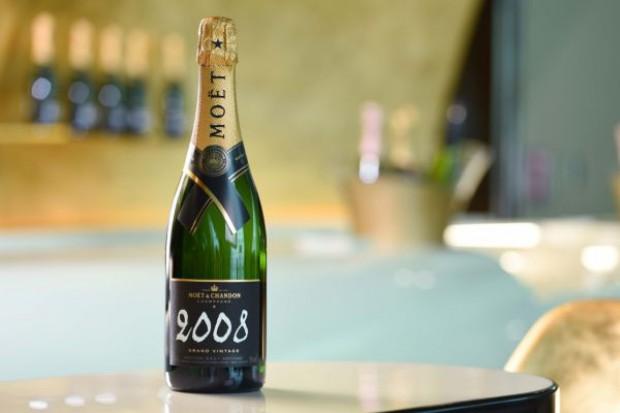 Linie Emirates wprowadzają ofertę ekskluzywnych win