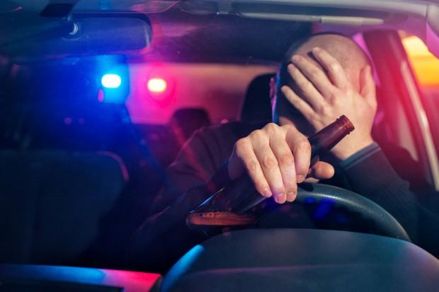 Belgia testuje zakaz sprzedaży alkoholu przy autostradach