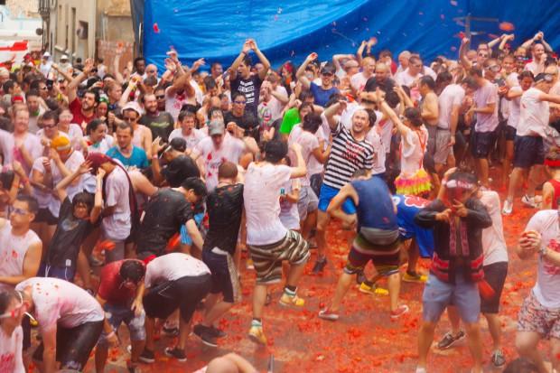 Hiszpania: Podczas tomatiny zużyto 160 ton pomidorów