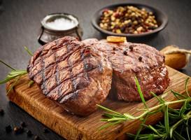 Wołowina: W 2016 r. kupiliśmy jej średnio prawie 1 kg więcej na głowę