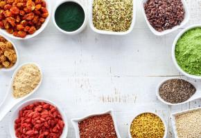 Rośnie import superfoods. Polacy chętnie testują światowe trendy żywieniowe