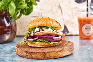 Meat & Fit otwiera kolejny lokal i rozszerza ofertę burgerów wegetariańskich