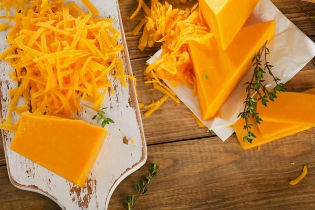 Chiny zakazały importu niektórych serów, KE zaniepokojona