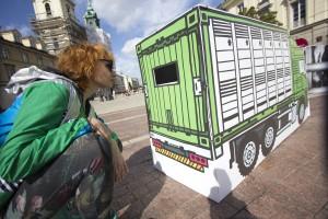 Warszawa: Protest przeciwko transportowi żywych zwierząt