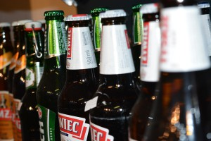 Popyt na napoje, piwo i lody w sierpniu wpłynął na wzrost sprzedaży w sklepach małoformatowych