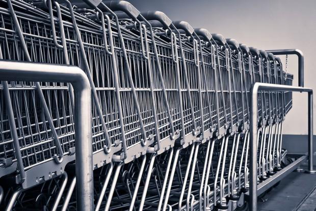 Kto otwiera obecnie najwięcej sklepów?